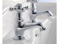 2011_Imperial_Bathrooms_International0201.jpg