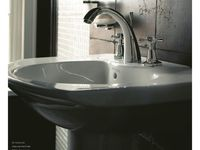 2011_Imperial_Bathrooms_International0166.jpg
