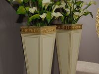VASES BAROQUE GOLD AND CREAM DETAIL 2.jpg