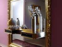detail the frame big mirror baroque.jpg
