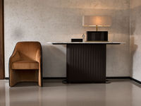 living-24 BACCO CHAIR & BYRON CONSOLE TABLE & PLINTO TABLE LAMP